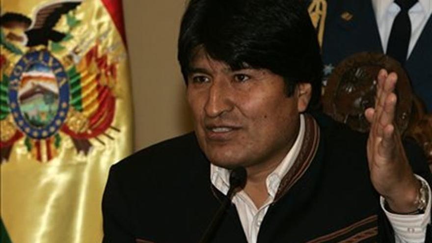 """Evo Morales afirma que """"Bolivia no es colonia yanqui"""" y defiende hoja de coca"""