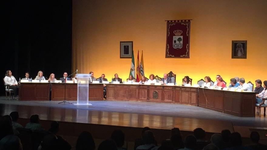 Aprobada la moción de censura contra la alcaldesa independiente de Isla Cristina