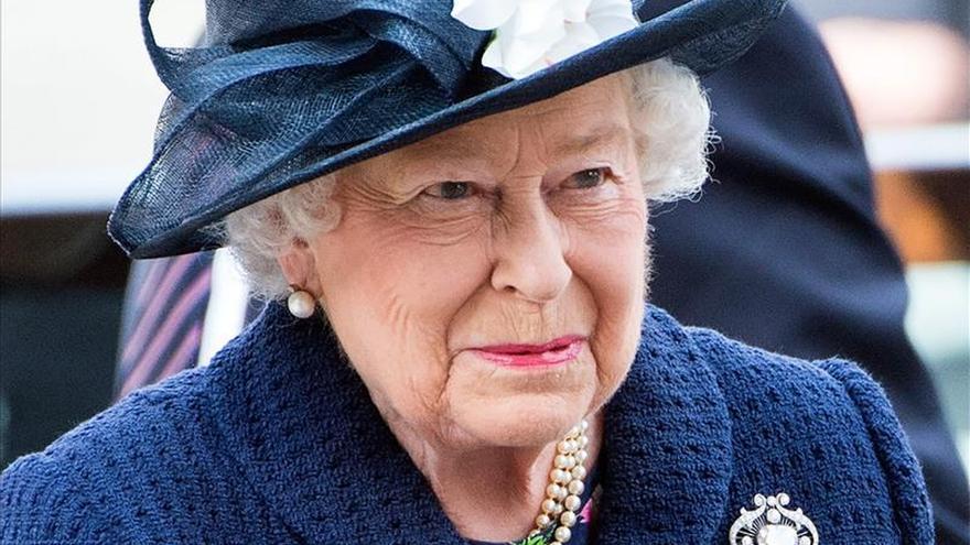 Isabel II y Cameron conmemoran del fin de la II Guerra Mundial