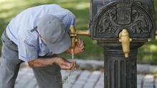 El precio del agua doméstica varía hasta el 256 % en España, según Facua