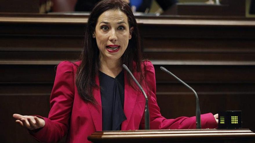 La presidenta del grupo Socialista, Patricia Hernández, durante su intervención en el debate sobre el estado de la nacionalidad. EFE/Cristóbal García