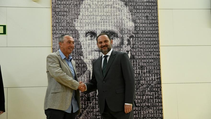 Compromís anuncia un principio de acuerdo con el PSOE que le acerca al 'sí' a la investidura de Sánchez