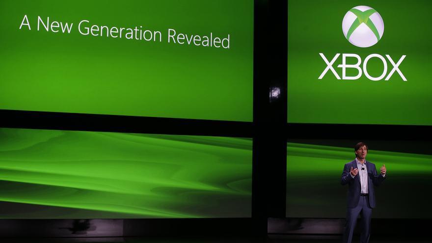 Don Mattrick durante la presentación en sociedad de Xbox One. Poco después de terminar la conferencia se disparaban las acciones de Sony, su principal competidora.