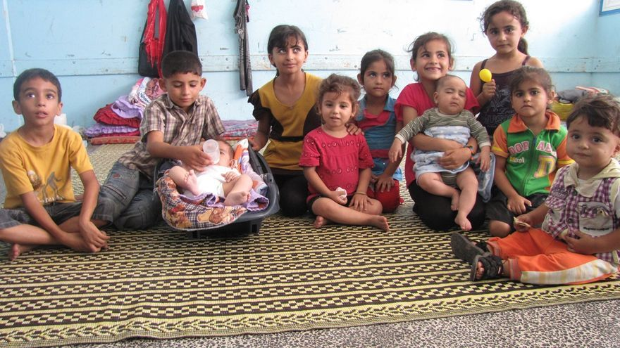 Niños de Gaza refugiados en una escuela de al ONU. Foto: Bostjan Videmsek / DELO