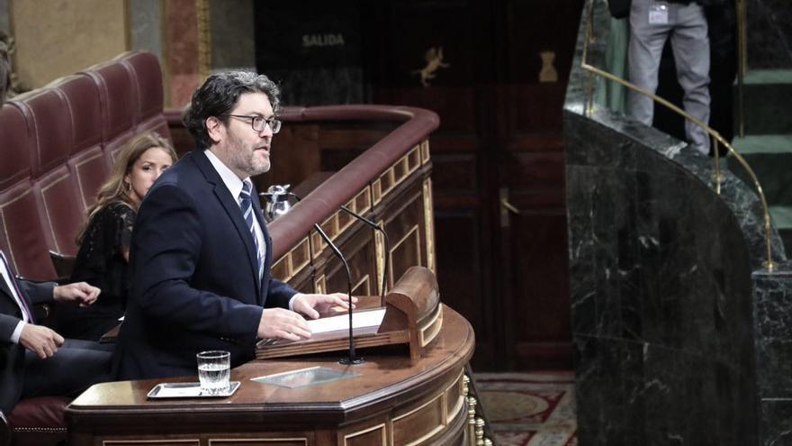 Miguel Sánchez defendiendo la supresión de los aforamientos