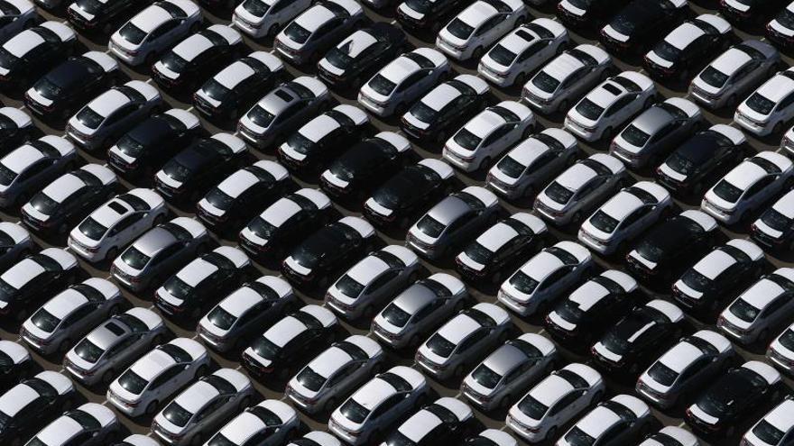 La producción de vehículos, que se concentra principalmente en Sao Paulo, donde se encuentran la mayoría de las líneas de montaje y actualmente es el principal foco de la pandemia en Brasil, emplea a cerca de 126.000 personas en el país.