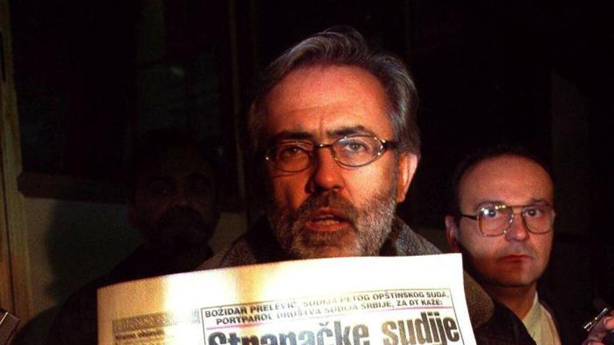Detenidos dos ex espías serbios por la muerte de un periodista, crítico con Milosevich, en 1999