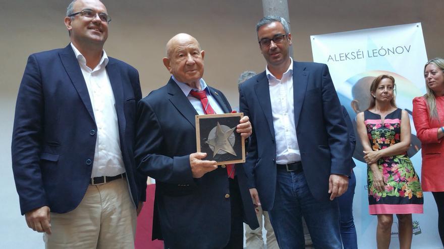 Alexeis Leonov junto a Anselmo Pestana y Sergio Matos. Foto: LUZ RODRÍGUEZ