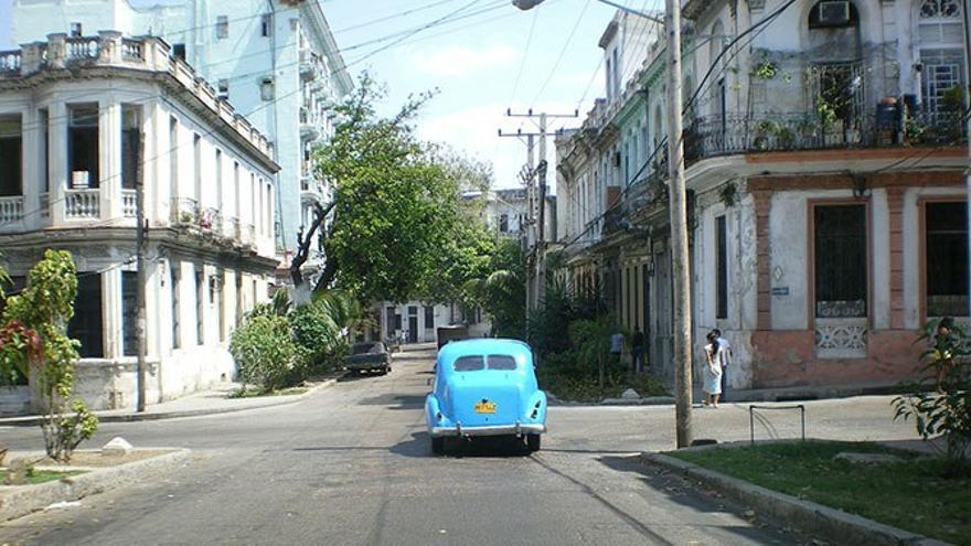 Calle deteriorada por el tiempo. (DP).