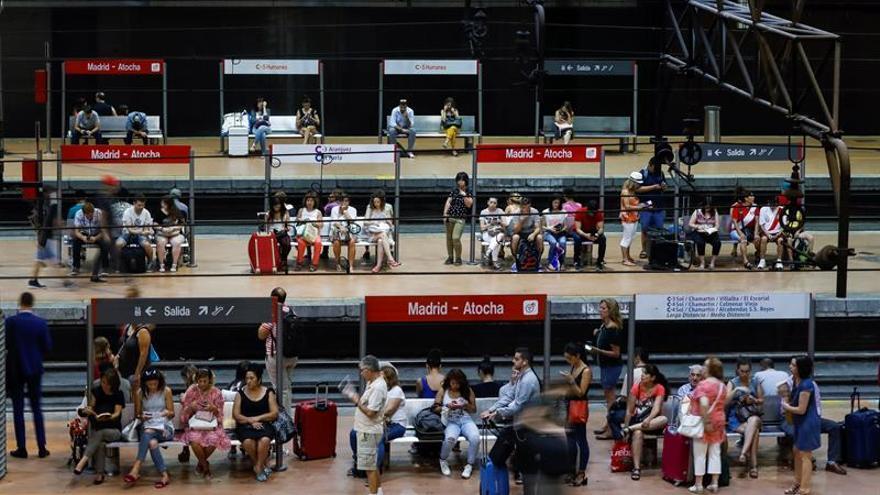 Renfe ofrece desde mañana 3,7 millones de plazas por Navidad
