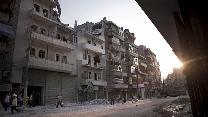 Las fuerzas sirias y los miembros de Hizbulá atacan Al Quseir, según denuncia la oposición
