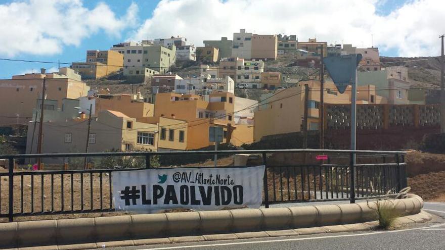 Cartel de la campaña #LPAolvido iniciada por los vecinos de Cañada Honda y Lomo del Rincón.