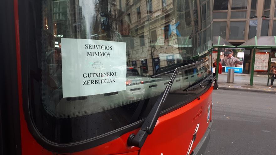 """Comité de Bilbobus dice que su voluntad de negociar sigue """"intacta"""" pero ve """"visos"""" de acabar en una huelga indefinida"""