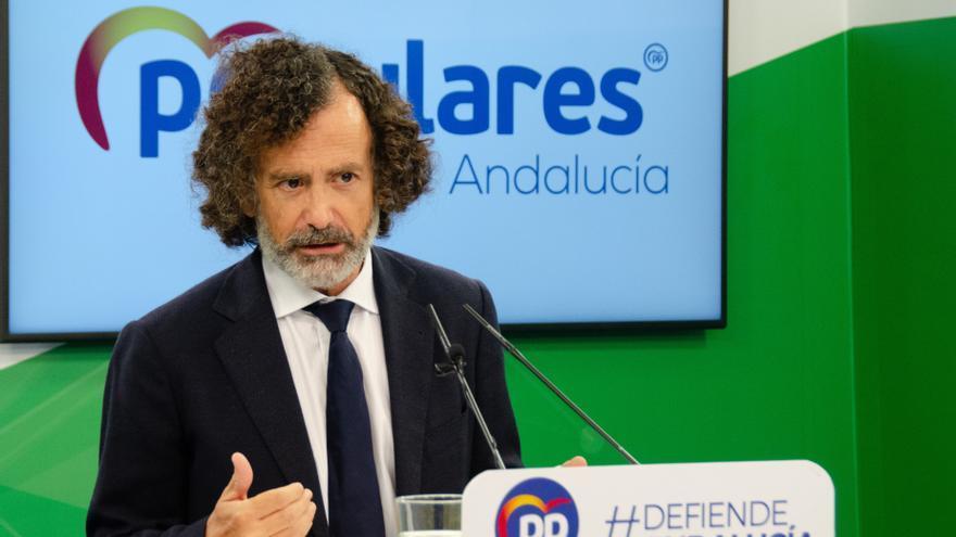 El portavoz adjunto del PP en el Parlamento de Andalucía, Pablo Venzal, este martes en rueda de prensa.