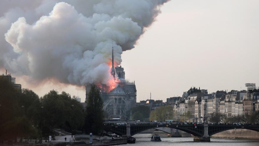 Incendio en la catedral de Notre-Dame de París