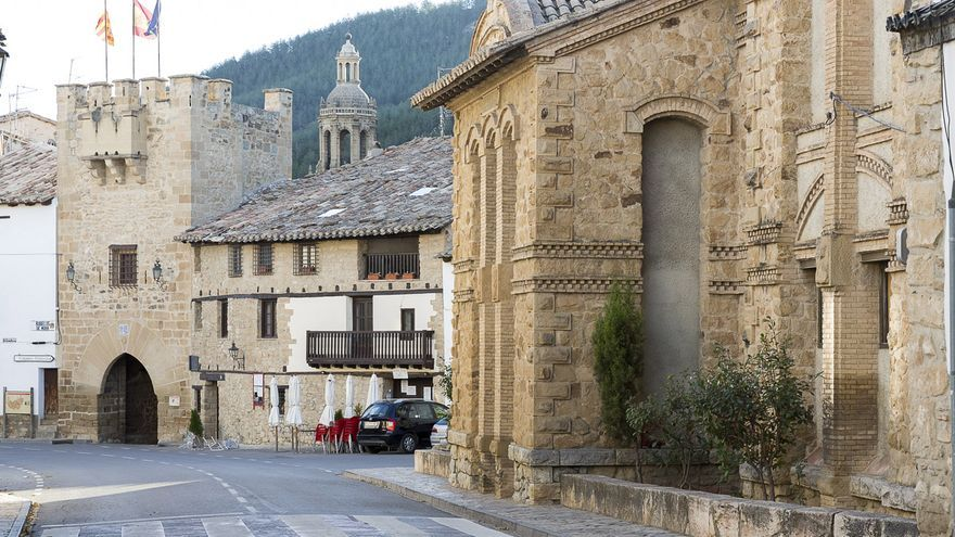 El alcalde de Rubielos de Mora, una de las localidades más turísticas de la provincia de Teruel, no ve mal la medida.