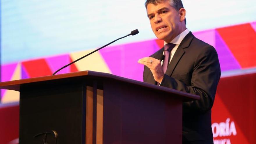 Julio Guzmán se consolida en segundo lugar de intención de voto, según sondeo