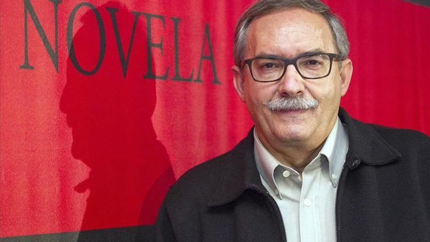 """Manuel Rico gana el IX Premio Logroño de Novela con """"Un extraño viajero"""""""