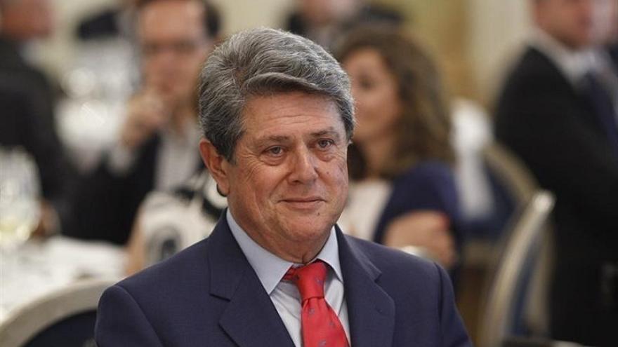 Alcoi inicia los trámites para retirar a Federico Trillo el título de Hijo Adoptivo