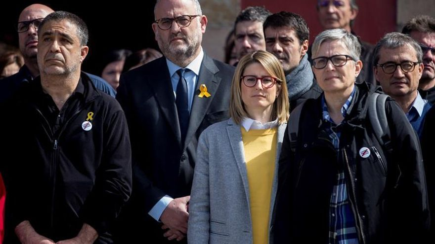 Diputados y empleados del Parlament paran para exigir la libertad de los presos