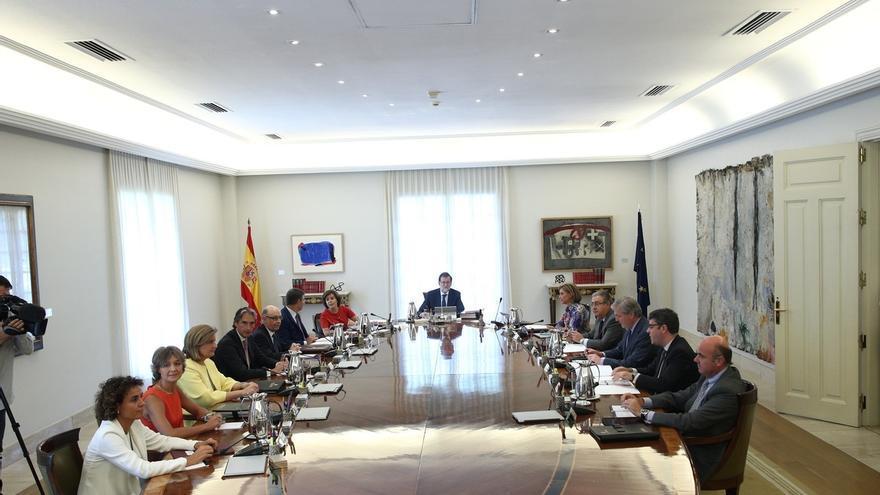El Gobierno anuncia un recurso contra la Ley de Transitoriedad y dice que sorprende que no recoja el derecho a decidir