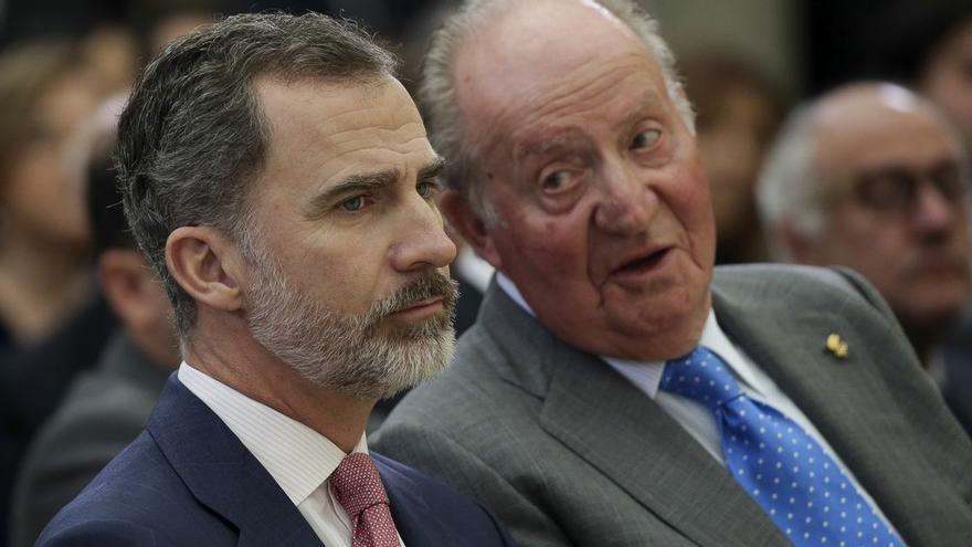 Felipe VI y Juan Carlos I, en una imagen de archivo