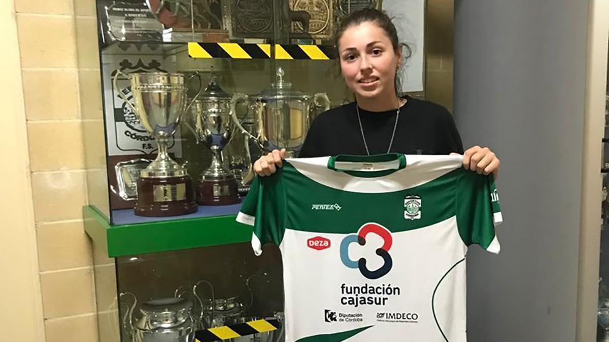 Yanira Valencia, nueva jugadora del Deportivo Córdoba.
