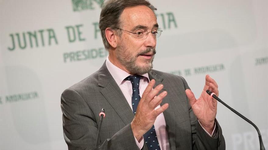 La Junta de Andalucía amplía a la vivienda libre la lucha contra los desahucios