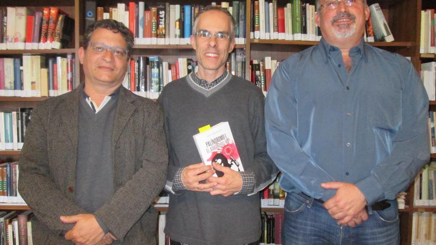 Ignacio Pastor, Carlos Martell y Alberto Rodríguez, este miércoles. Foto: LUZ RODRÍGUEZ.