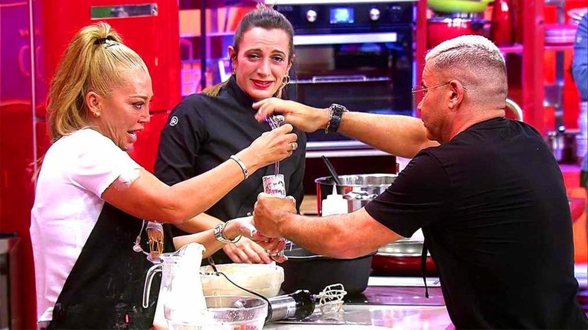 Belén Esteban y Jorge Javier Vázquez durante su participacion en 'La última cena'
