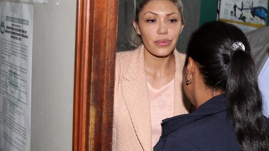 La expareja de Morales pasa la noche detenida a la espera de la decisión judicial