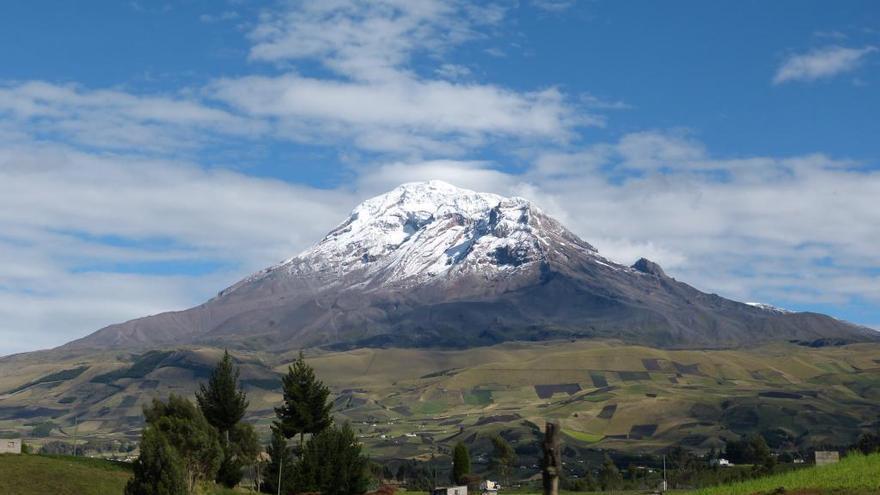 El volcán ecuatoriano Chimborazo, examinado por el naturalista Humboldt