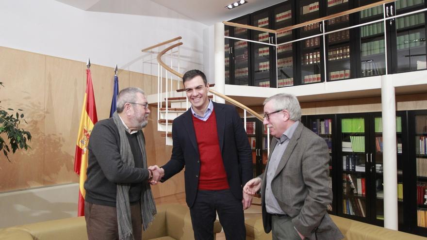 Cándido Méndez e Ignacio Fernández Toxo con Pedro Sánchez.