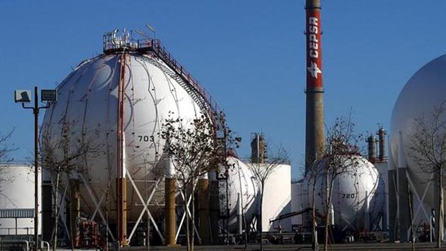 Refinería de CEPSA en Santa Cruz