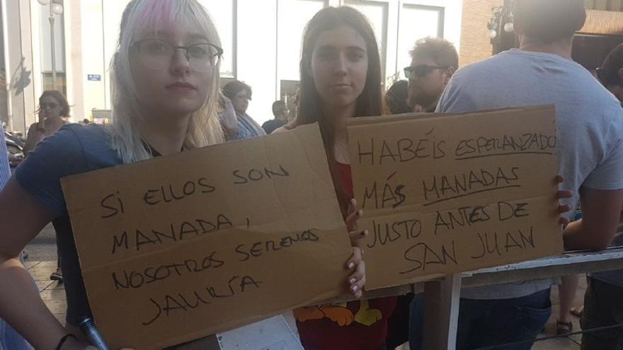 Concentración en Valencia contra el auto de la Audiencia de Navarra