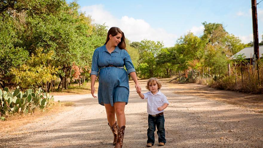 Una madre con su hijo | PIXABAY
