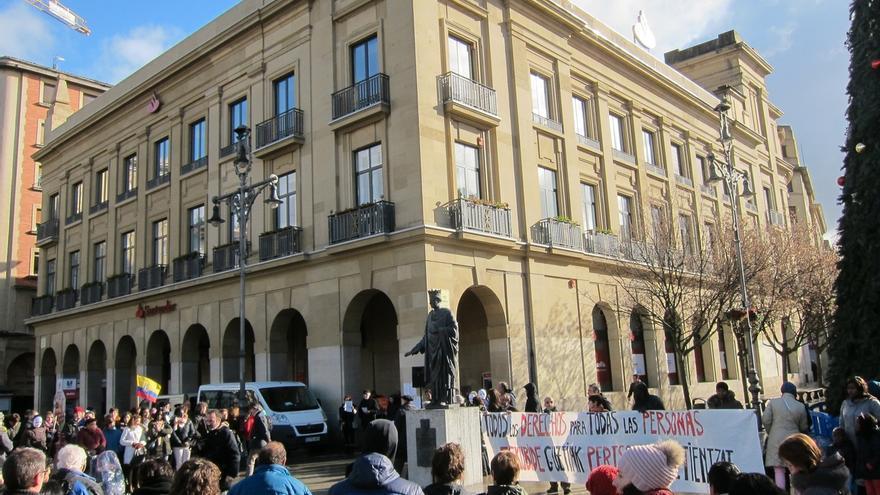 """Las Ciudades de Acogida de Navarra reclaman en Pamplona """"todos los derechos para todas las personas"""""""