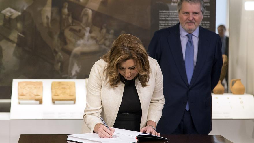 La presidenta andaluza, Susana Díaz, y el ministro de Educación, Íñigo Méndez de Vigo.