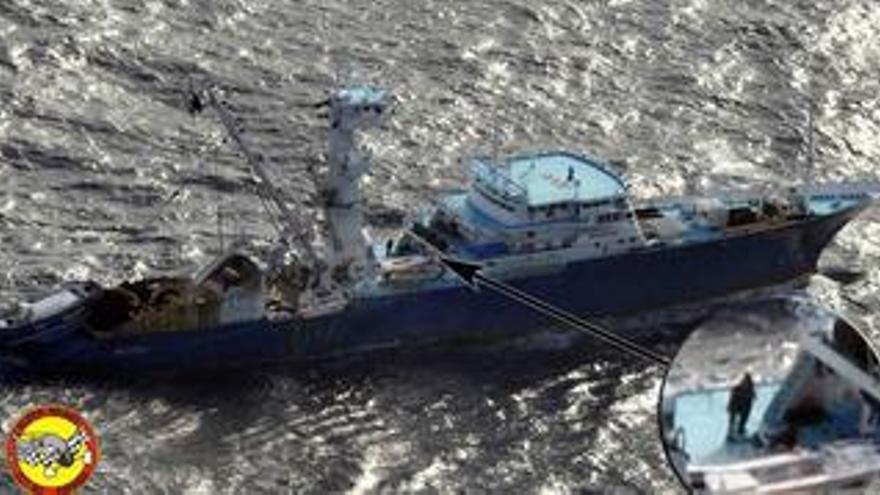 """La madre de un tripulante del 'Alakrana' dice que """"los gobiernos han mandado a callar a las familias"""""""