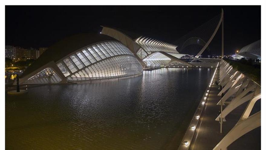 La Hora del Planeta apaga 400 ciudades españolas en su décimo aniversario