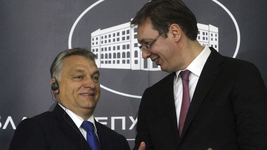 """El primer ministro húngaro dice que los inmigrantes son """"víctimas"""" de malas políticas"""