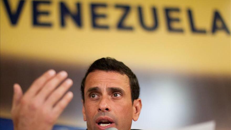 """Capriles enviará una carta al Papa para que conozca """"la situación en Venezuela"""""""
