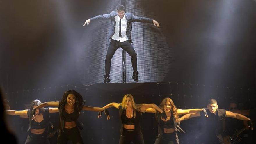El músico y cantante puertorriqueño, Ricky Martin, durante su actuación en Las Palmas de Gran Canaria. EFE / Quique Curbelo.
