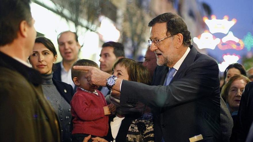 Rajoy se da un baño de masas en Badajoz la víspera de iniciar campaña del 20D