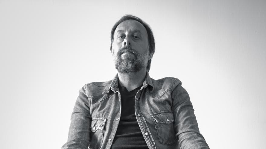 Raúl Real (Santander, 1976) es el autor de 'La inteligencia de los jilgueros', su primer libro