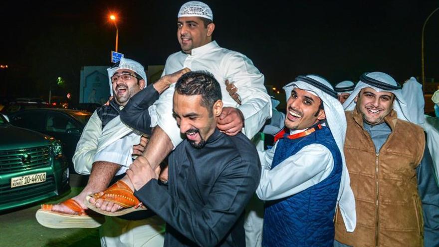 La oposición kuwaití gana casi un 50 por ciento de escaños en las elecciones legislativas