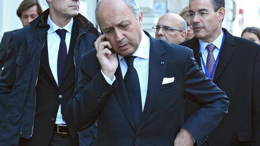 Francia no planea suspender la cumbre del cambio climático de París