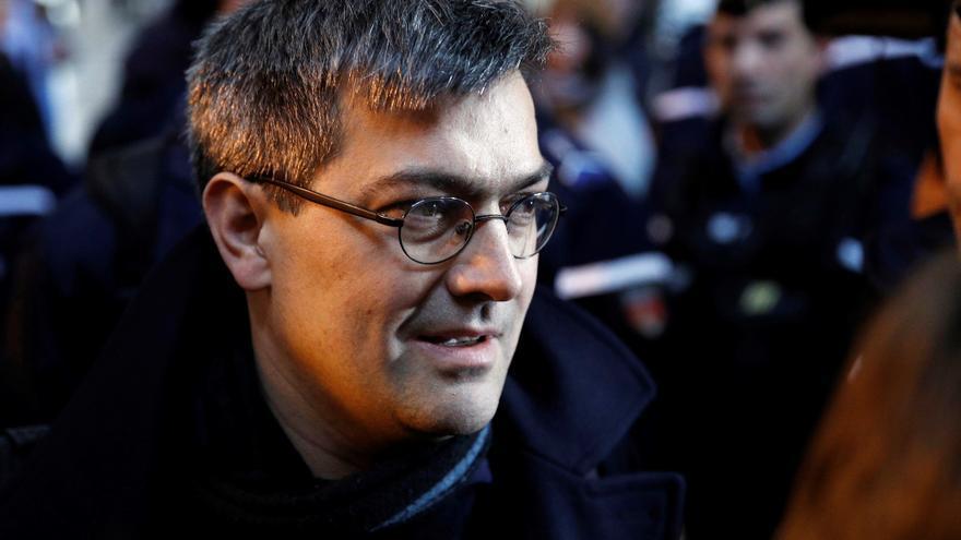 El líder del grupo de Tarnac, Julien Coupat, a su llegada al tribunal de París el pasado 13 de marzo.