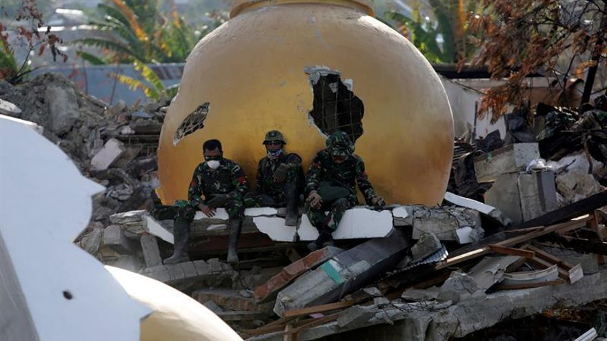 Resultado de imagen para Tsunami en indonesia
