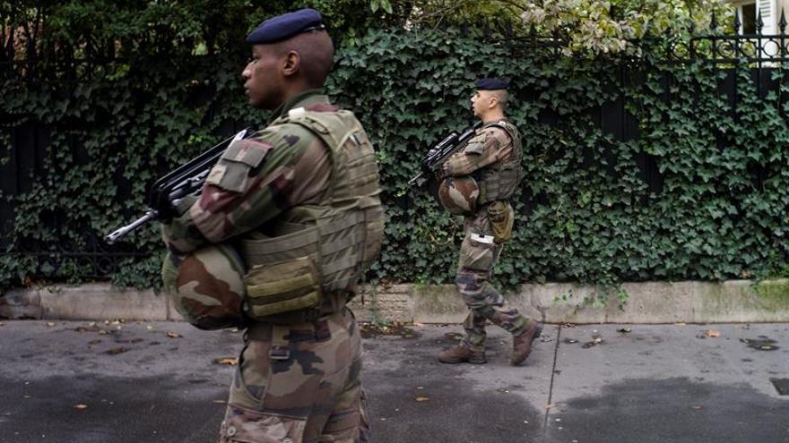 Francia moviliza para Nochevieja a 96.000 agentes y militares